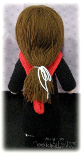 ตุ๊กตาถักไหมพรมรับปริญญา ABAC (หญิง)