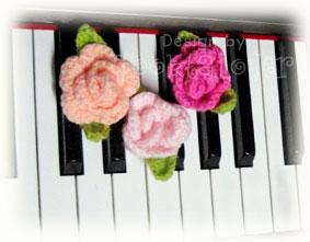 ดอกกุหลาบถักไหมพรม