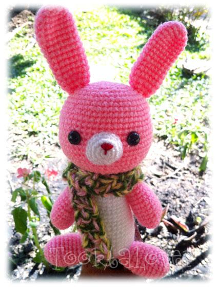 ตุ๊กตาถักไหมพรมกระต่ายน้อยสีชมพู