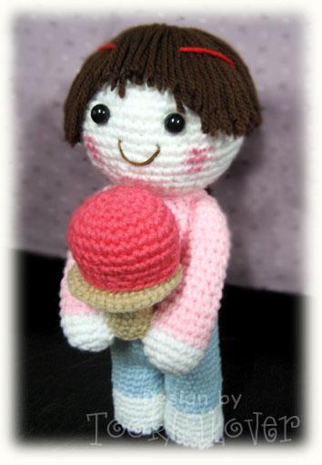 ตุ๊กตาถักไหมพรมสาวน้อยน่ารัก